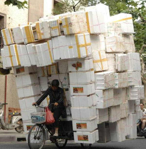 perierga.gr - Τι κουβαλάνε αυτοί οι οδηγοί στην Κίνα!