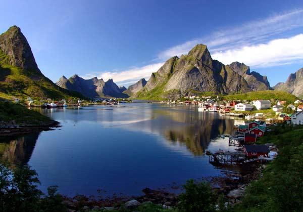 Parakseno.gr : reine10 Reine: Το απομακρυσμένο «διαμάντι» της Νορβηγίας!