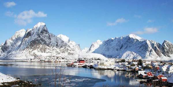 Parakseno.gr : reine11 Reine: Το απομακρυσμένο «διαμάντι» της Νορβηγίας!