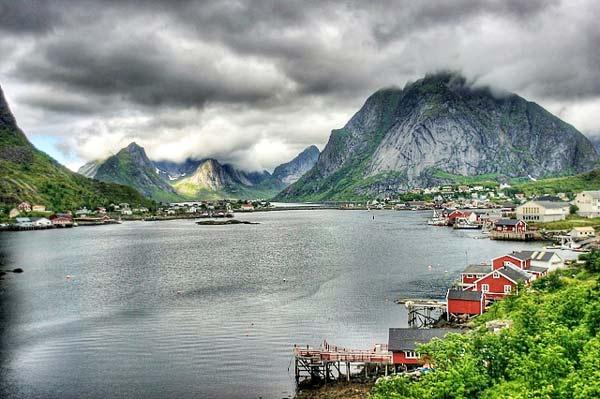 Parakseno.gr : reine17 Reine: Το απομακρυσμένο «διαμάντι» της Νορβηγίας!