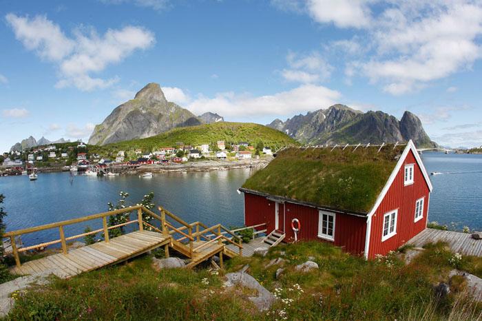Parakseno.gr : reine18 Reine: Το απομακρυσμένο «διαμάντι» της Νορβηγίας!