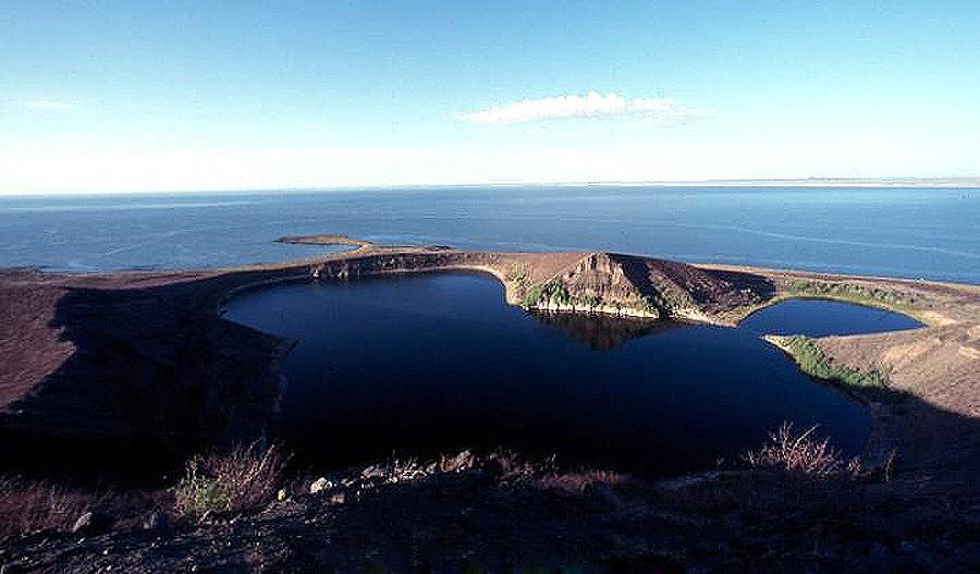 "perierga.gr - Λίμνη Turkana: Το ""σμαράγδι"" της ερήμου!"