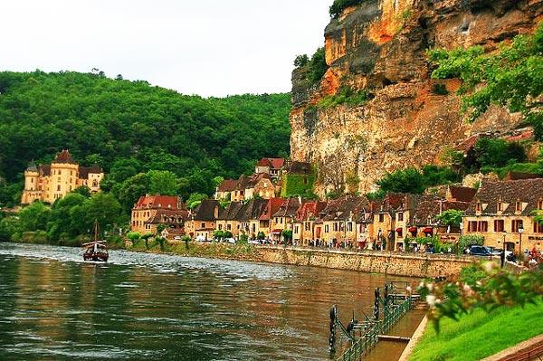Τα ωραιότερα χωριά δίπλα σε ποτάμια!