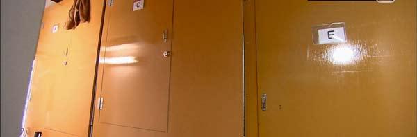 perierga.gr - 400 ευρώ ενοίκιο για διαμονή σε μια... ντουλάπα!