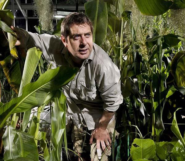 perierga.gr - Ζώντας για 2 μέρες κλεισμένος σε έναν θάλαμο με 150 φυτά!