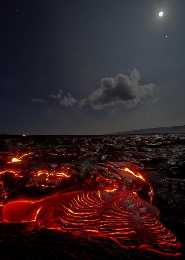 perierga.gr - Eκπρηκτικές φωτογραφίες ηφαιστείου τη νύχτα!