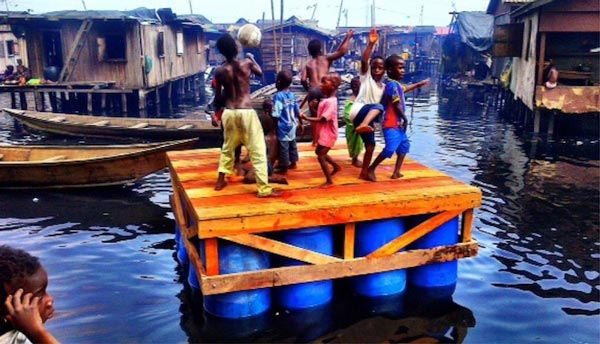 perierga.gr - Τα πλωτά σχολεία της Νιγηρίας!