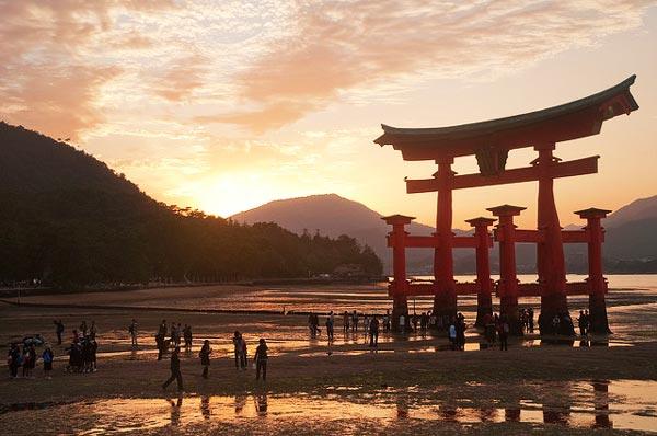 10 από τα ωραιότερα ηλιοβασιλέματα στον κόσμο!