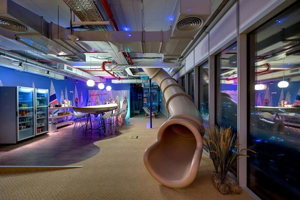 Perierga.gr - τα νεόκοπα γραφεία της google στο