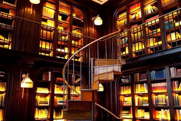 perierga.gr - Νέα τάση: Μπαρ-βιβλιοθήκες διασκεδάζουν & μορφώνουν!