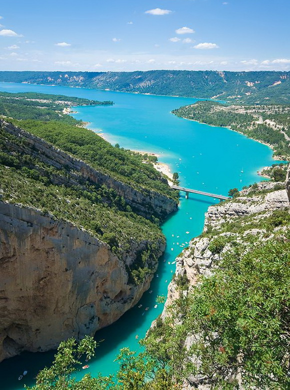 diaforetiko.gr : gorge3 Δείτε 12 συναρπαστικά φαράγγια που κόβουν την ανάσα!