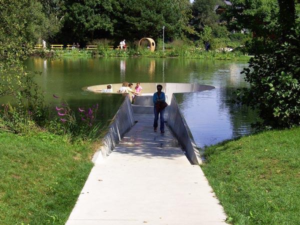 perierga.gr - Μονοπάτι οδηγεί στο κέντρο της λίμνης!