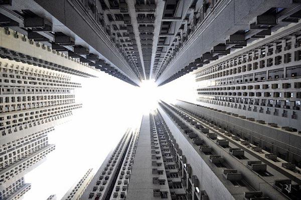 perierga.gr - Κάθετοι ορίζοντες: Με την κάμερα προς τον ουρανό!