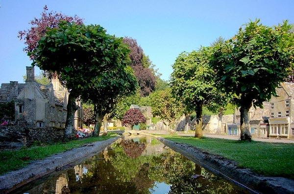 perierga.gr - Μικρογραφία χωριού μέσα σε πραγματικό χωριό!