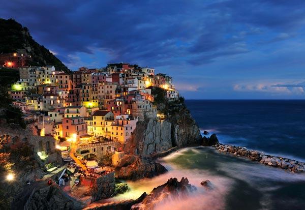 perierga.gr - 7 εντυπωσιακές πόλεις πάνω σε βράχια!