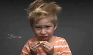 perierga.gr - Παιδιά δοκιμάζουν γεύσεις για πρώτη φορά!