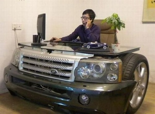 perierga.gr - 15 αυτοκίνητα μεταμορφώνονται σε απίθανα γραφεία!