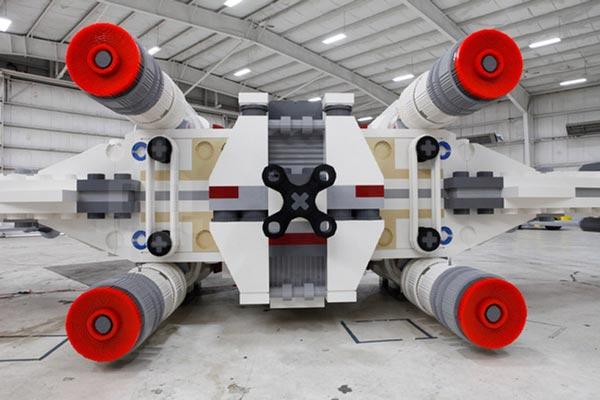 perierga.gr - Παρουσιάστηκε η μεγαλύτερη κατασκευή LEGO!