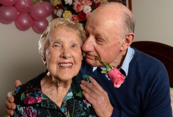 perierga.gr - Αυστραλή 106 ετών ζει την αμαρτία με 73χρονο!