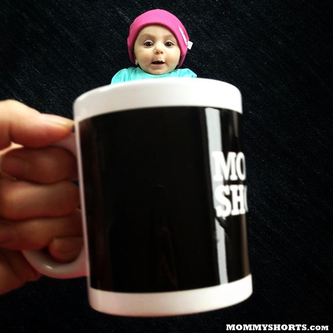 perierga.gr - Μωρά... να τα πιεις στο ποτήρι!