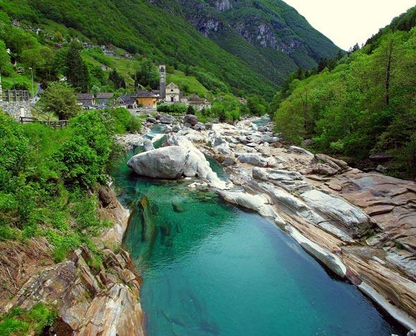 Verzasca Valley: Η εξωτική κοιλάδα της Ελβετίας!