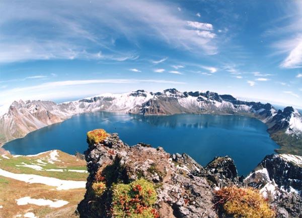perierga.gr - Οι 15 ωραιότερες ηφαιστειακές λίμνες στον κόσμο!