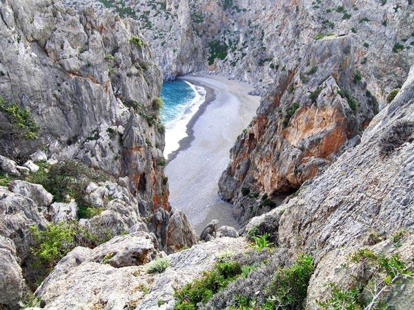 ζ - Μικρές παραλίες πραγματικά διαμάντια στη Μεσόγειο!