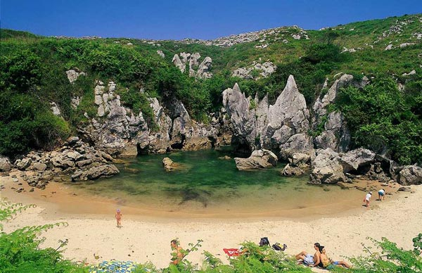 ψΜικρές παραλίες πραγματικά διαμάντια στη Μεσόγειο!