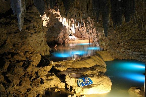 "perierga.gr - Οι άγνωστες ""γαλάζιες λίμνες"" της Ιαπωνίας!"