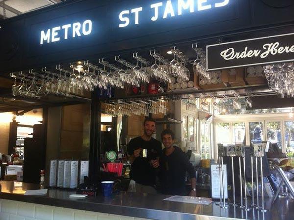 perierga.gr - Με ένα φιλί δώρο ο καφές σε κατάστημα του Σίδνεϊ!