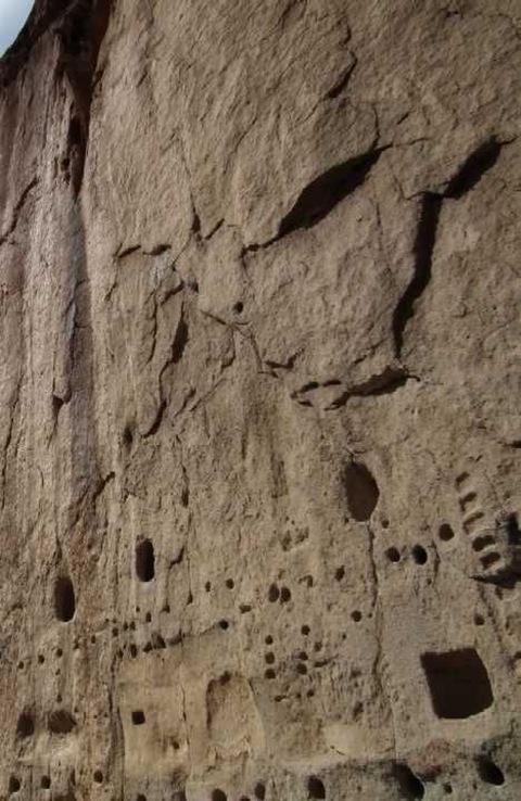 perierga.gr - 5+1 παράξενα... ανθρωπόμορφα βράχια!
