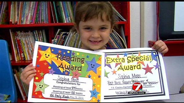 perierga.gr - 5χρονη μαθήτρια διάβασε 875 βιβλία σε έναν χρόνο!