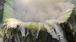 perierga.gr - Οι καταρράκτες του Νιαγάρα από ψηλά (βίντεο)!