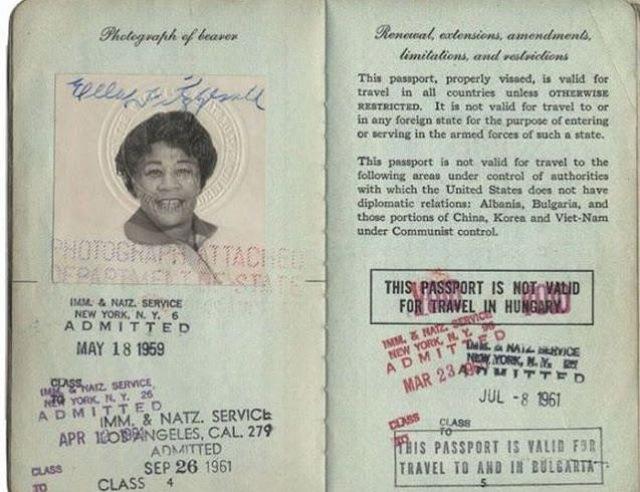 perierga.gr - Διαβατήρια διασημοτήτων...