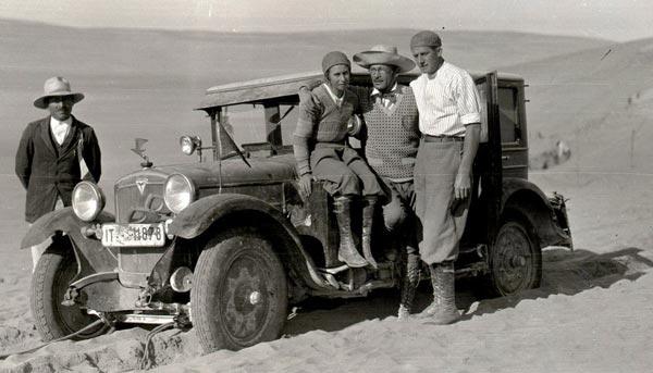 perierga.gr - Ο πρώτος γύρος του κόσμου με αυτοκίνητο έγινε από γυναίκα!