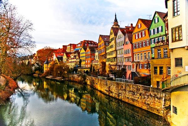 perierga.gr - Τίμπιγκεν: Η πολύχρωμη πόλη της Γερμανίας!