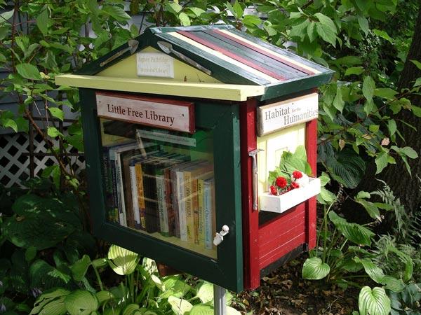 perierga.gr - Μικρές βιβλιοθήκες στους δρόμους της πόλης!