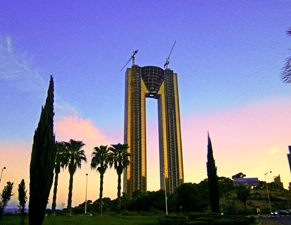 perierga.gr - In Tempo: Ένα μνημείο... γκάφας!