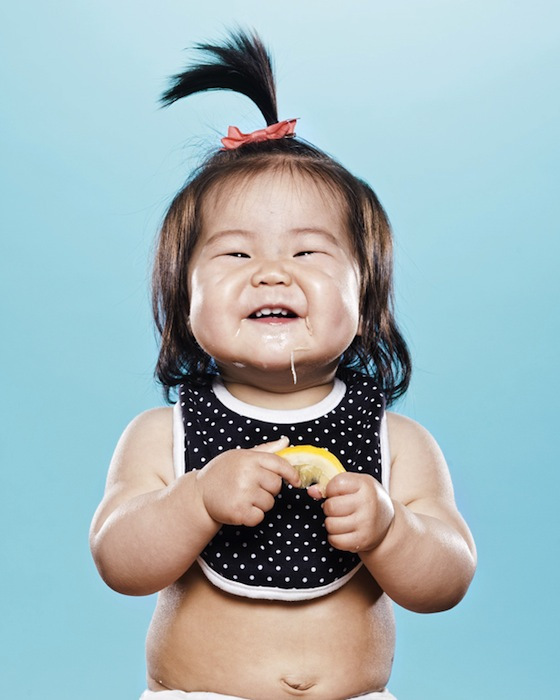 perierga.gr - Μωρά δοκιμάζουν λεμόνι για πρώτη φορά!