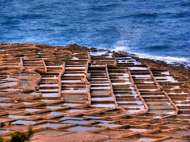 perierga.gr - Οι αλυκές της Μάλτας στις ακτές της Μεσογείου!