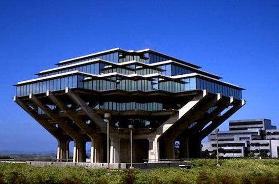 perierga.gr - 10 εντυπωσιακές βιβλιοθήκες σε πανεπιστήμια