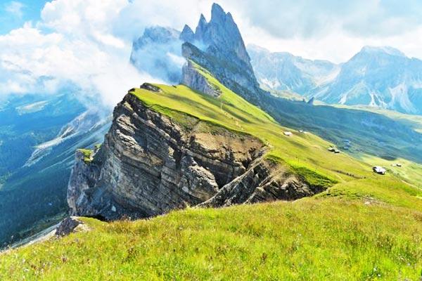 perierga.gr - Λιβάδια στην κορυφή των βουνών!