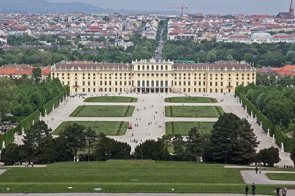 Perierga.gr - Τα εντυπωσιακότερα παλάτια του κόσμου!