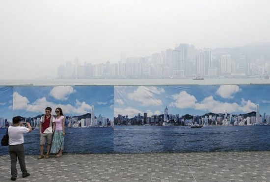 perierga.gr - Ατμοσφαιρική ρύπανση VS τουρισμού!