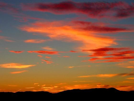 Perierga.gr - Όταν ο ουρανός βάφεται κόκκινος