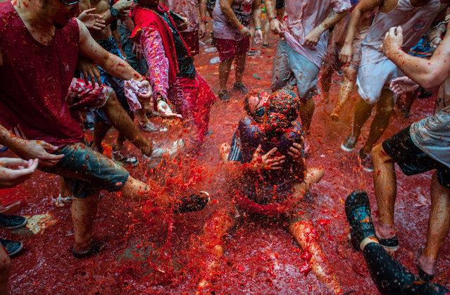 perierga.gr - La Tomatina: Ο μεγαλύτερος... ντοματοπόλεμος στον κόσμο!
