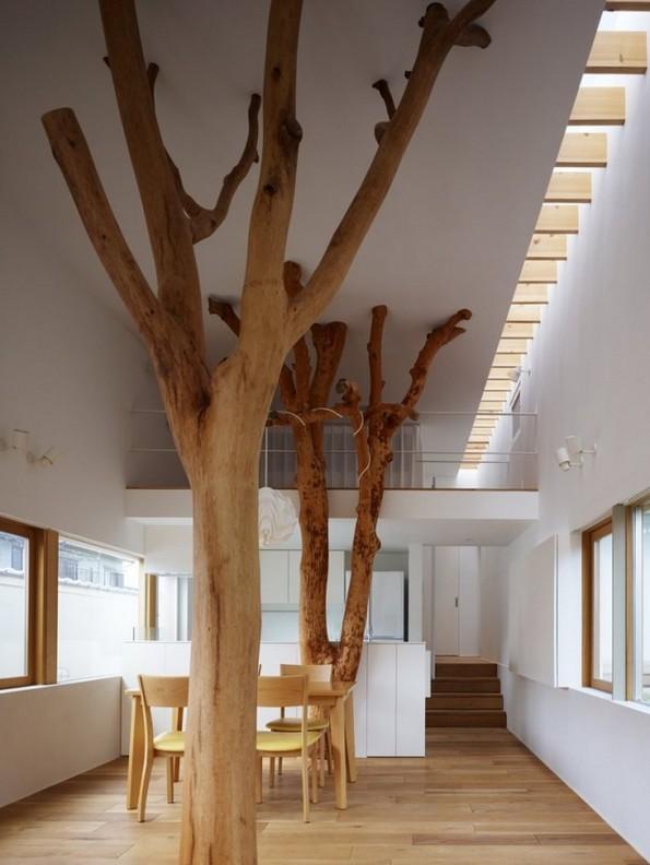 Perierga.gr - Εκπληκτικά σπίτια που τα... διαπερνούν δέντρα!