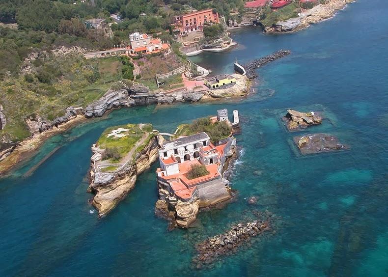 "perierga.gr - Το ""καταραμένο"" νησί της Ιταλίας!"
