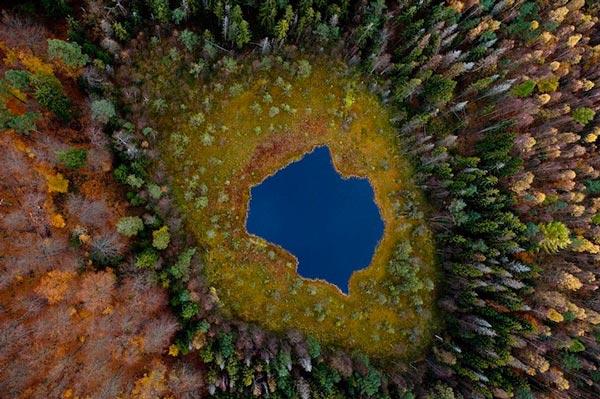 perierga.gr - Η εντυπωσιακή αλλαγή λίμνης κατά τη διάρκεια των εποχών!