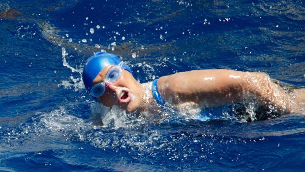 perierga.gr - Από την Κούβα στις ΗΠΑ κολύμπησε 64χρονη!